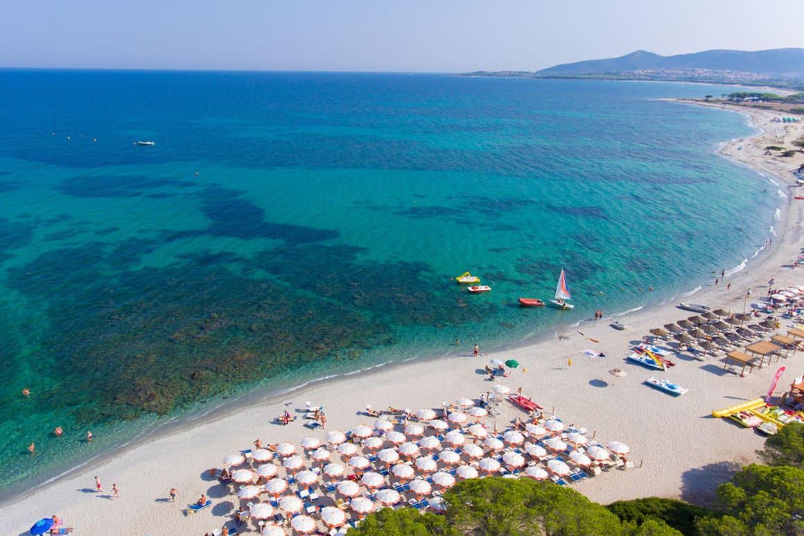 Look-Voyages-Italie-Sardaigne-Agrustos-vue-aerienne-plage